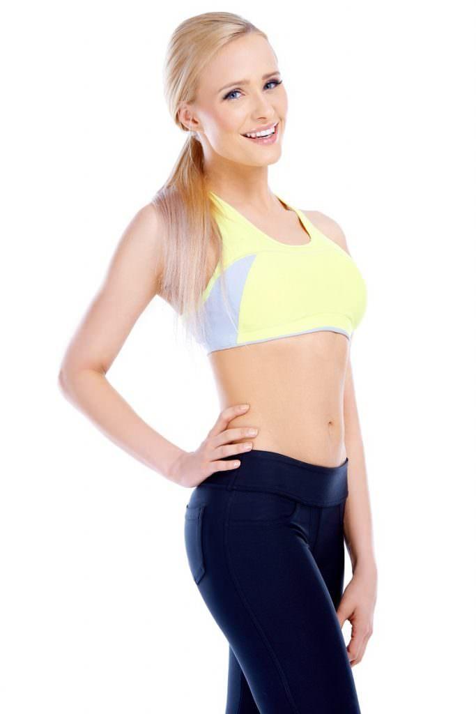 dimagrire camminando donna atletica sportiva bionda
