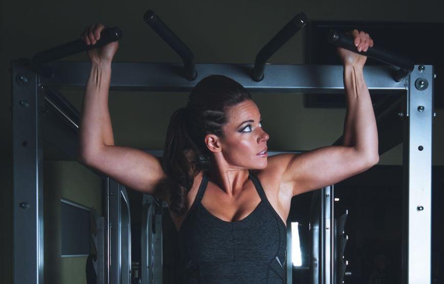 potenziare la massa muscolare braccia bicipiti