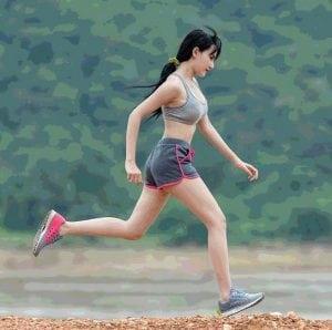 woman running dieta drastica